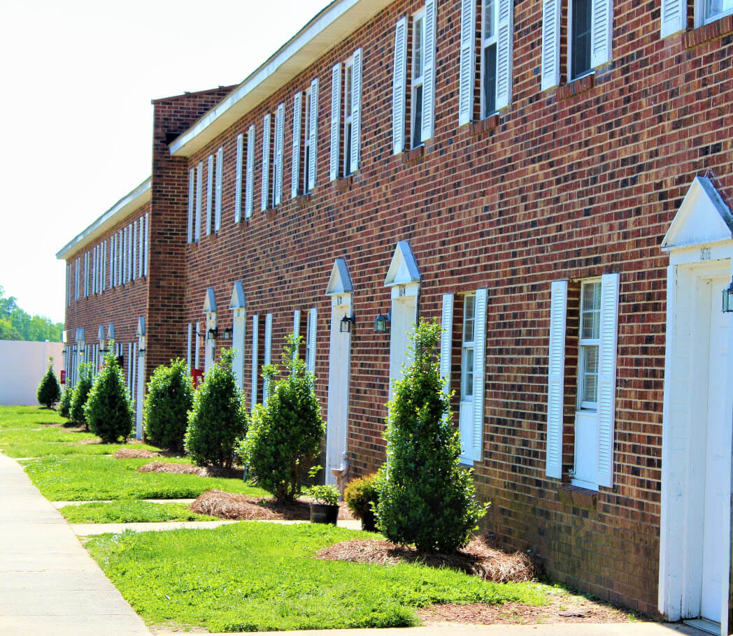 Meadow Woods Apartments: Greenview Meadows Apartment Homes 1613 Greenview Dr