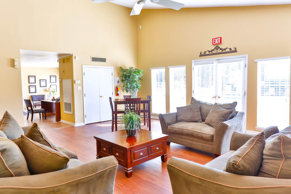 Pinetree Apartment Homes 7600 Antlers Drive Charlotte Nc